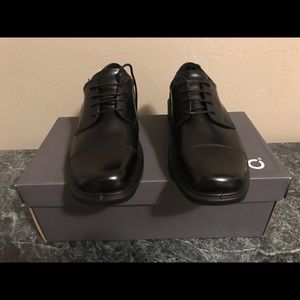 Men's Ecco dress shoes size 39 new with box